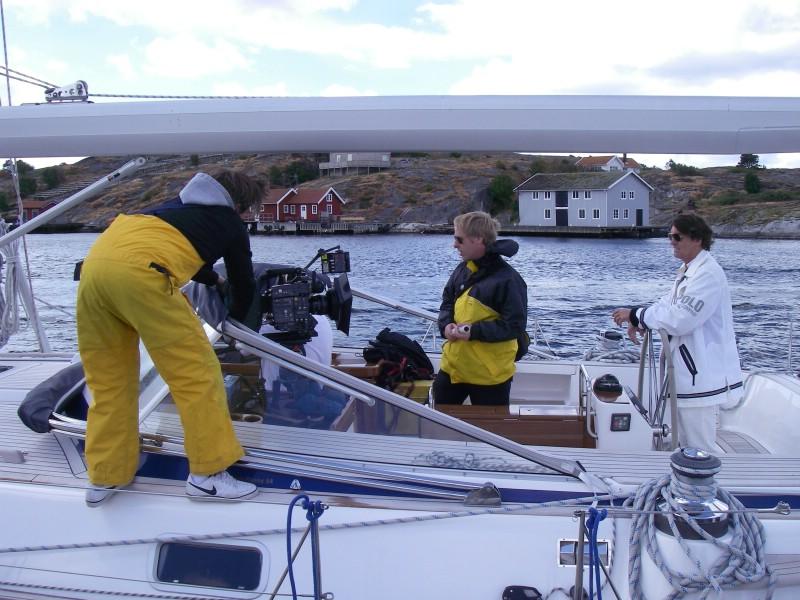 Andra skådespelare i filmen är Tuva Novotny och Kjell Bergqvist.  Produktionsbolag är Bob Film. Filmens är en komedi och manus och regi görs  av Ulf Malmros d24f3bb658e0f