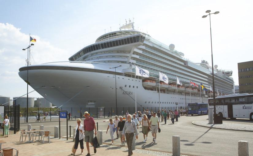 7 av 10 kryssningsfartyg lämnar avloppsvatten i Stockholms hamn