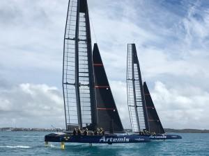 Artemis två båtar