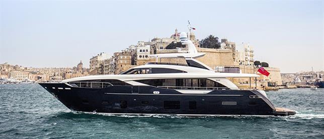 Nya Princess 30M på Malta