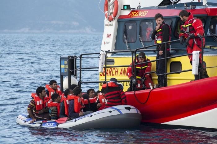 Orolig tid för sjöräddarna på Egeiska Havet