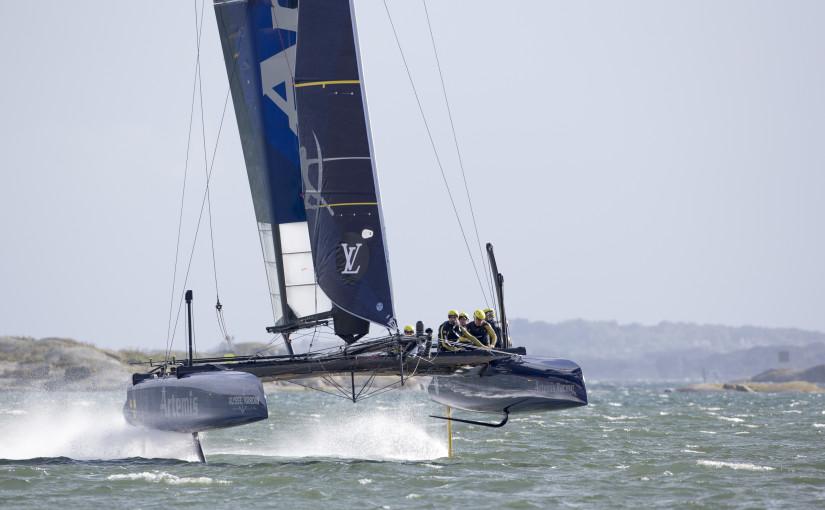 Andreas Axelsson mönstrar på Artemis Racing