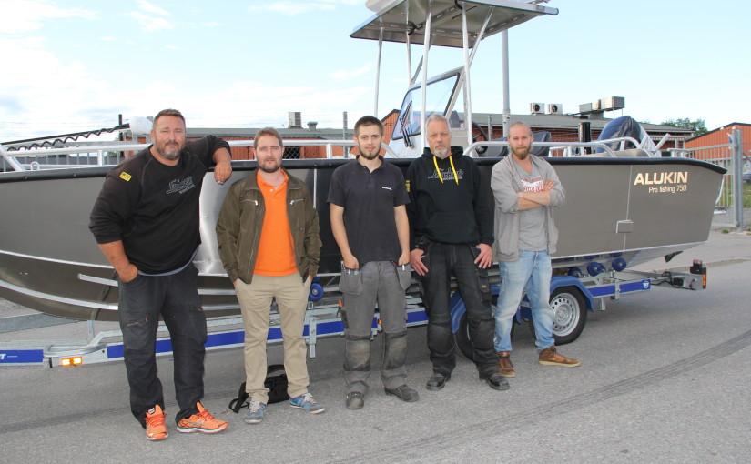 Sportfiskeguiden Johan Broman sjösätter ny båt