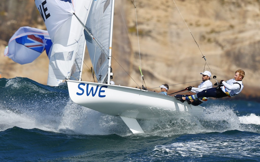 epa05475694 Anton Dahlberg and Fredrik Bergstrom of Sweden sail during the men's 470 class race of the Rio 2016 Olympic Games Sailing events in Rio de Janeiro, Brazil, 11 August 2016.  EPA/NIC BOTHMA