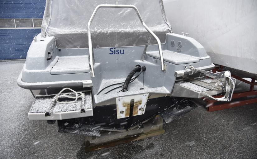 Fler stora stölder av båtmotorer