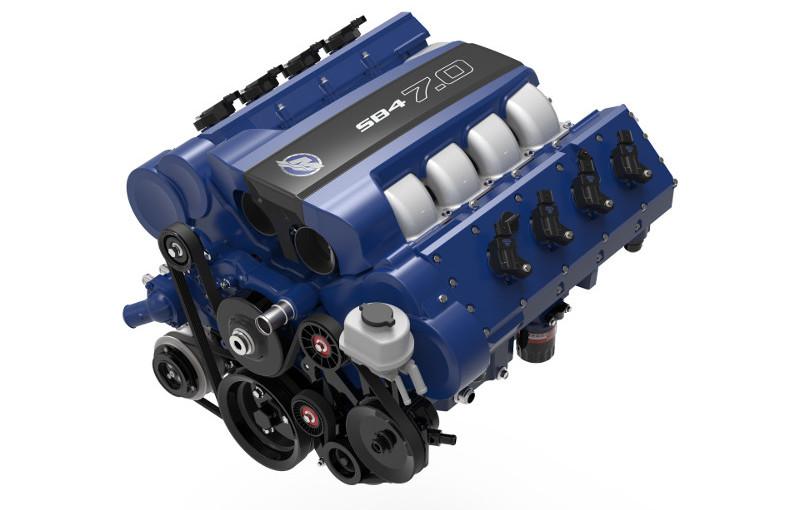 Mercury Racing visar small black V8 för bilar