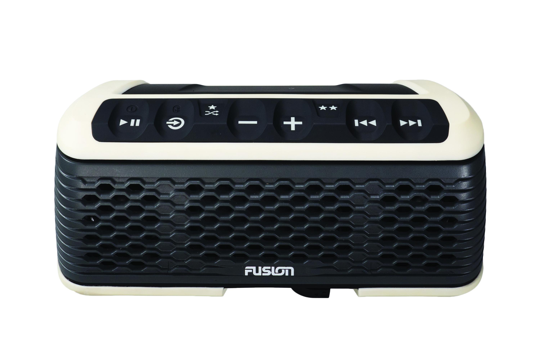 Fusion Stereo Active är en Bluetooth högtalare som är designad för vatten  sport. Ett utvecklingsteam hos Fusion startade med önskemål från användare  av ... 82a0030284474