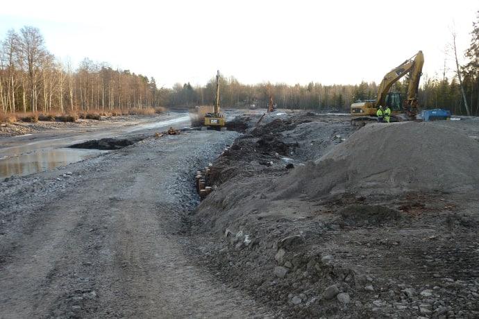Kanalbank och dragväg längs Göta kanal återställs