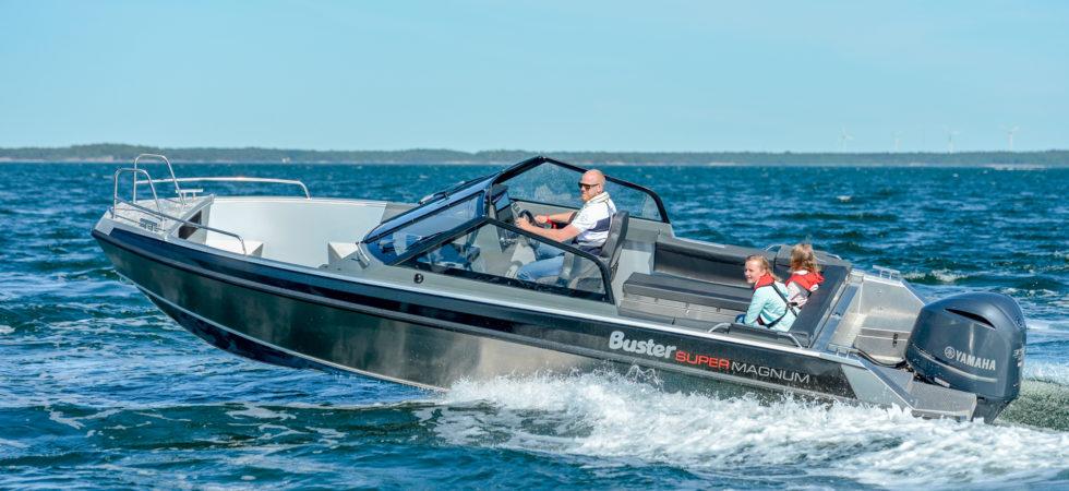 Buster uppgraderar sina största båtar