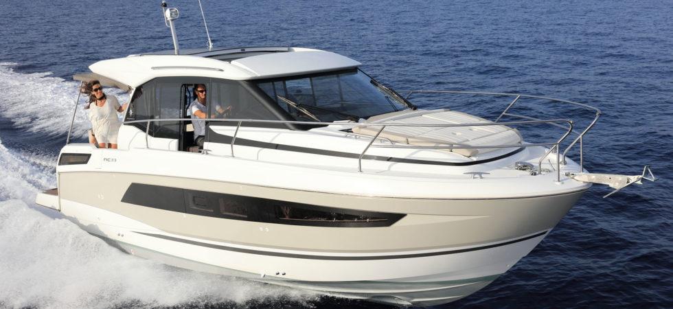 10,5 m cruisingbåt från Jeanneau