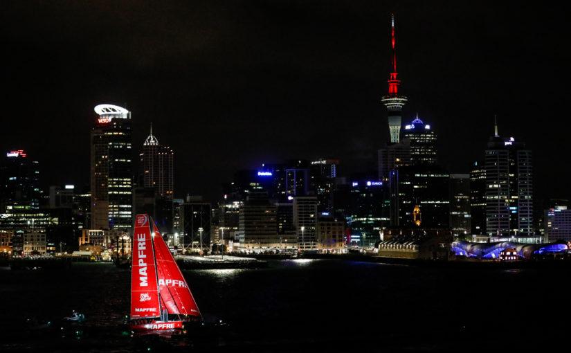 Team AkzoNobel vann episk spurt till Auckland