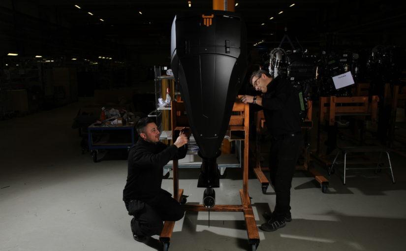 Hyllad BMW-motor till OXE Diesel utombordare