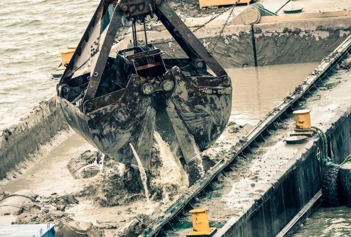 Krav på gräns för föroreningar som dumpas i havet