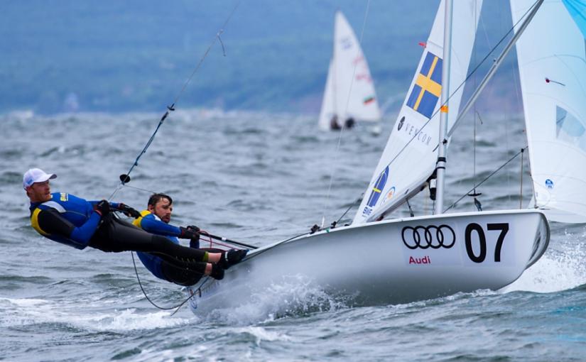 Anton Dahlberg och Fredrik Bergström leder 470-EM