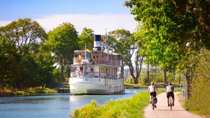 Majvädret gav årets Göta kanalsäsong en rivstart