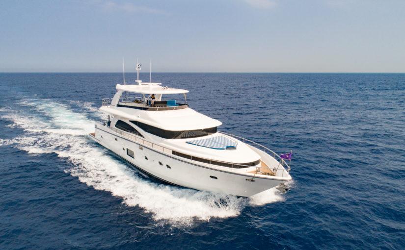 Instegsmodell från Johnson Yachts