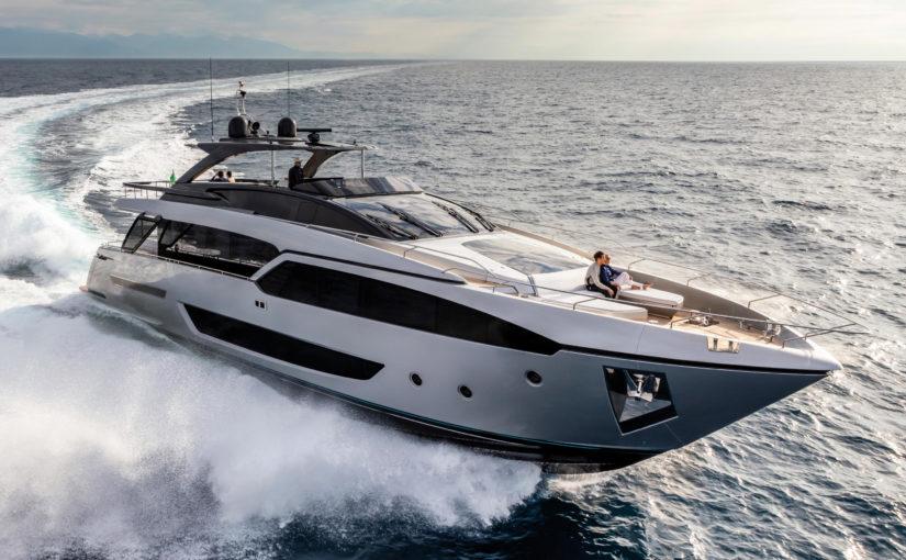 Riva visar ny superlyxig yacht