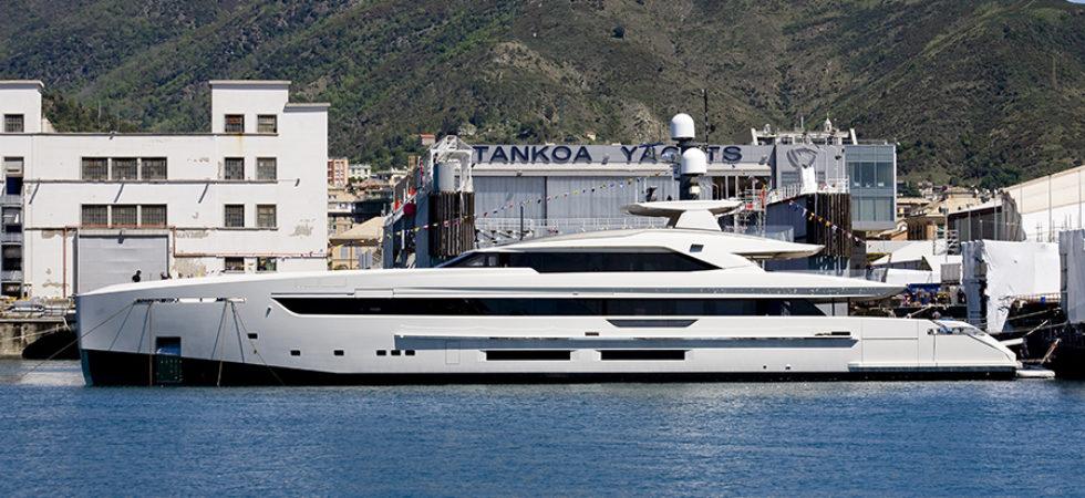 50 m yacht med hybriddrift
