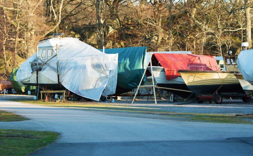 Båtupptagning – sex steg för säkrare vinterförvaring