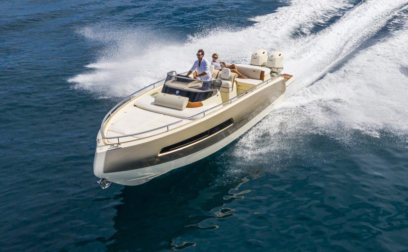 Italiensk design för utbordarbåt