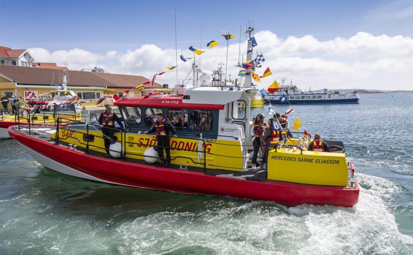 Räddningsbåt med dubbla drivlinor