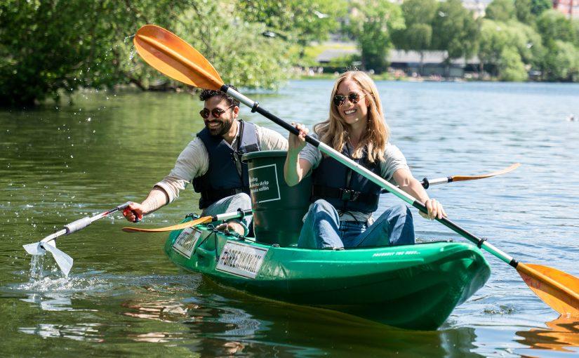 Paddla och plocka skräp för våra svenska vatten