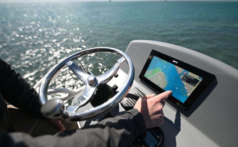 Ny flerfunktionsdisplay för navigation och ett helt nytt utbud av elektroniska sjökort