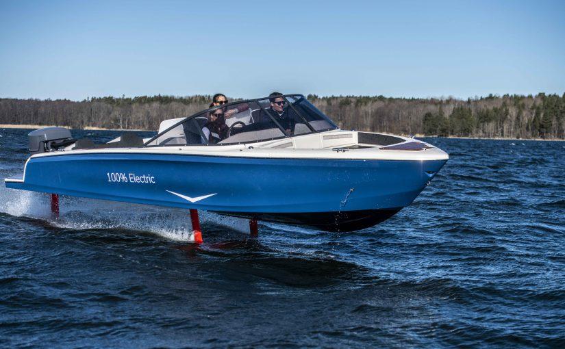 Första flygande elbåten i kommersiell trafik i Sverige