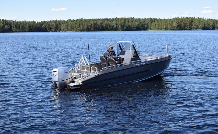 Silver kompletterar X-serien med ny mittpulpetbåt