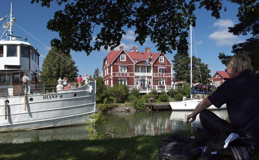Fler unga båtägare på Göta kanal i sommar