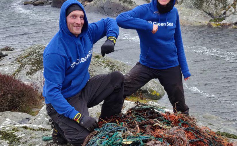 De har tagit bort 10 ton plast ur havet