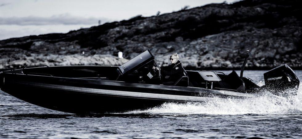 Snabbt flaggskepp från IRON Boats