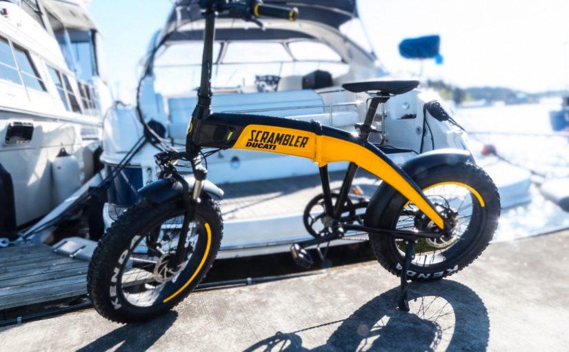 Eldrivna äventyr i sommar med vikbara Maxibianca M1 och Scrambler-Ducati